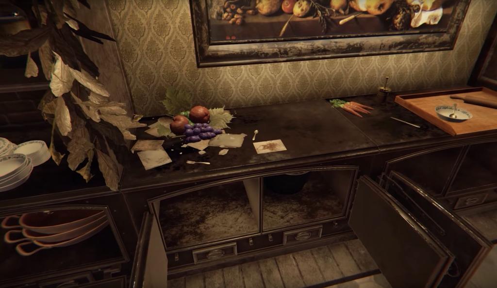開いた棚の上に果物が置いてある