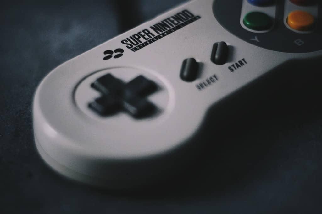 スーパーファミコンのコントローラー